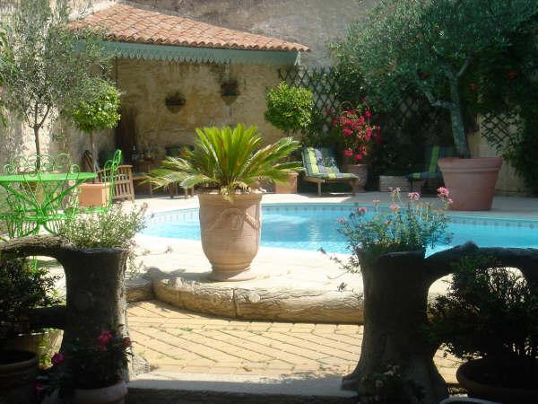 piscine maison gaudin chambre d 39 hote cognac. Black Bedroom Furniture Sets. Home Design Ideas