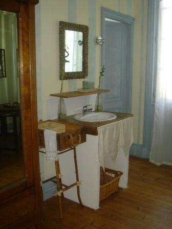 salle d`eau lavande maison gaudin